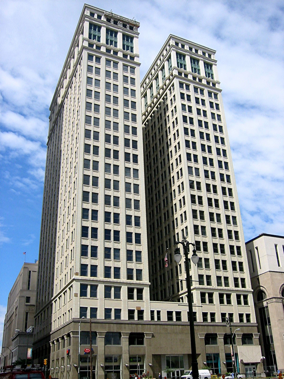 Dime building chrysler house for Building photography