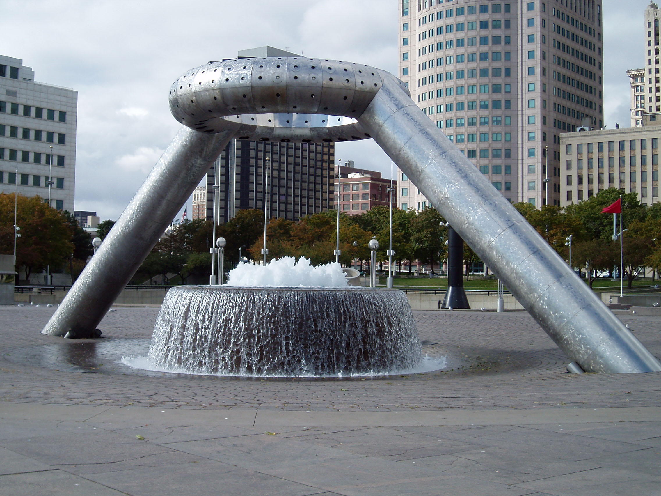 architecture of the hart plaza With a seating capacity of 982, the hart theatre is used for larger productions including musical theatre, dance and music concerts wrapping around fully half the egg is a lounge area for the hart theatre this space is ideal for seminars, receptions, after theatre parties and small cabaret type performances.